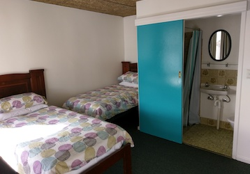 adelaide bucks two bed backpackers accommodation