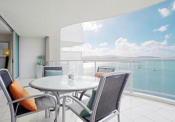 airlie beach bucks resort accommodation