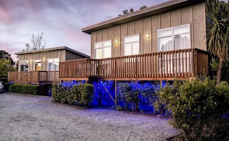 taupo cabin bucks accommodation