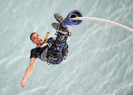 buck bungy jumping in cairns