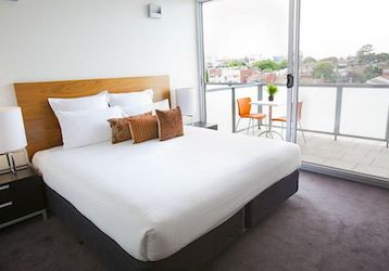 melbourne bucks double bed apartment accommodation