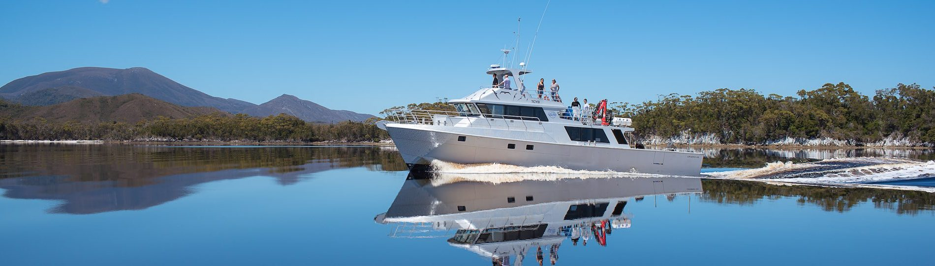 private hobart boat charter on the water