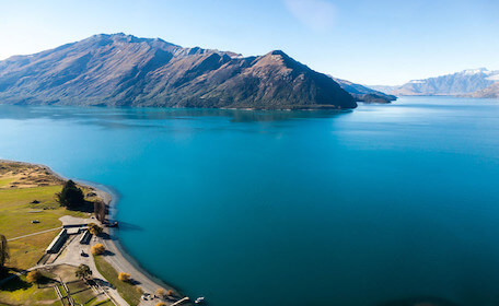 scenic image of water and mountains at queenstown bucks attraction