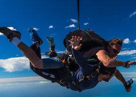 buck tandem skydiving