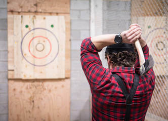 bucks group gold coast axe throwing