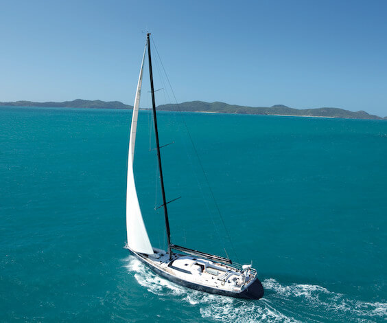 bucks group sailing airlie beach