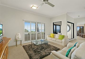 3 bedroom apartment cairns bucks party accommodation