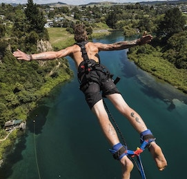 taupo bungy jumping buck