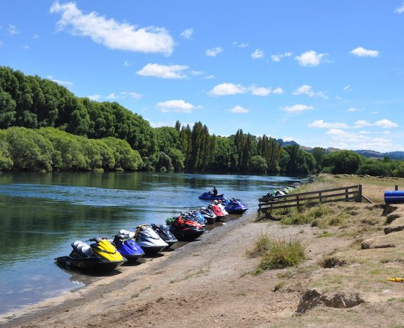jet skiing in Taupo