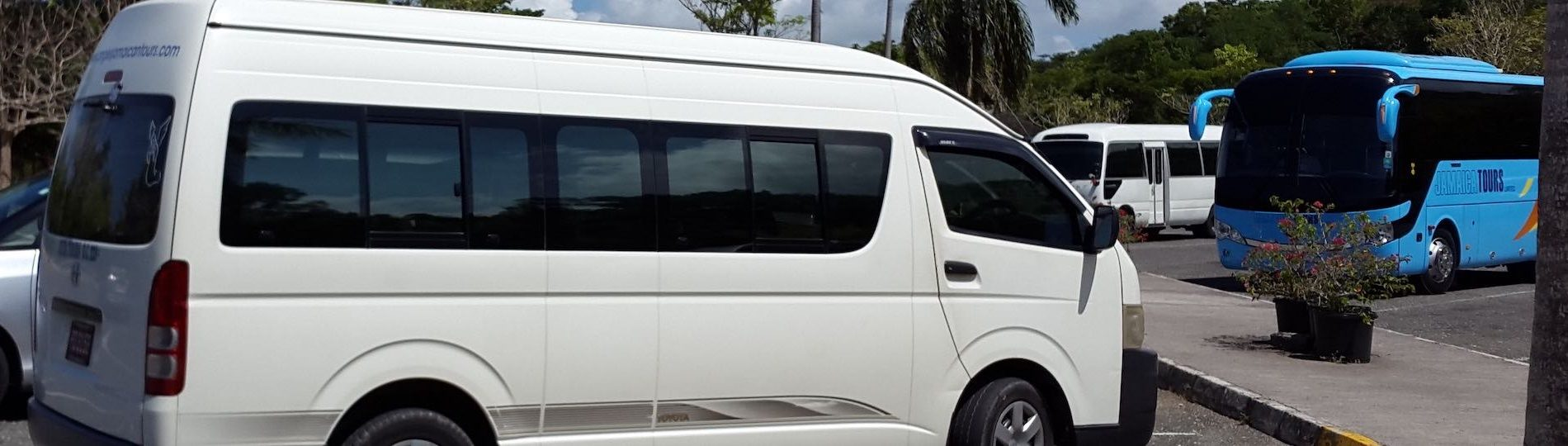 bucks mini bus airport transfers