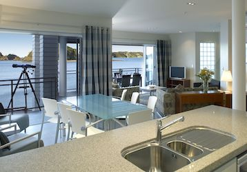 3 bedroom penthouse bucks party accommodation bay of islands