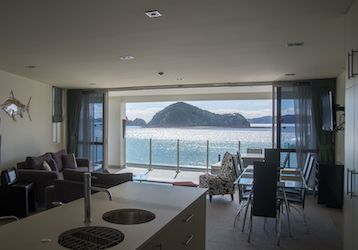 3 bedroom waterfront suites bay of islands bucks party accommodation
