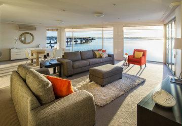 bucks party accommodation tauranga 3 bedroom penthouse