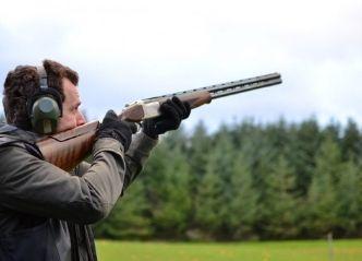 clay target shooting cairns thumbnail