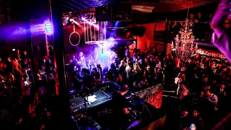 bars and clubs in melbourne wicked bucks