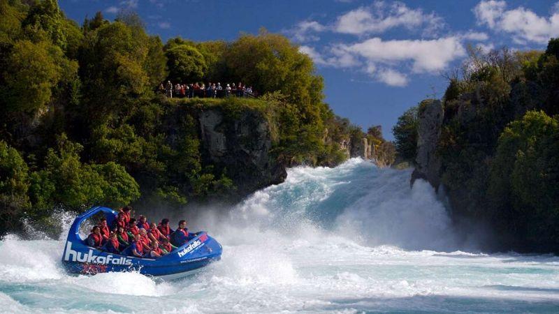 jet boating in taupo nz
